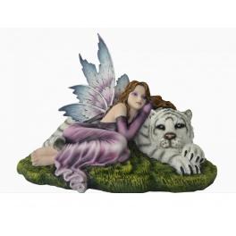 Fée géante et son tigre blanc