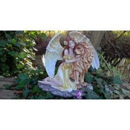 Fée ange et son lion